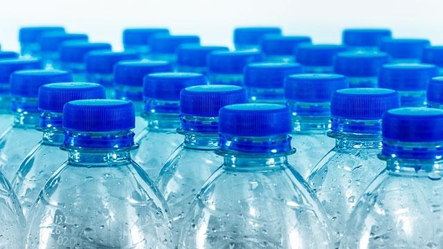 Cách chọn nước uống đóng chai