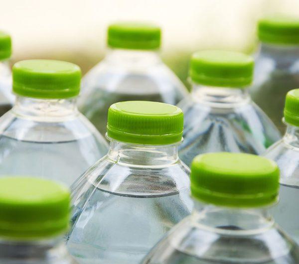Uống nước đóng chai nào tốt cho sức khỏe